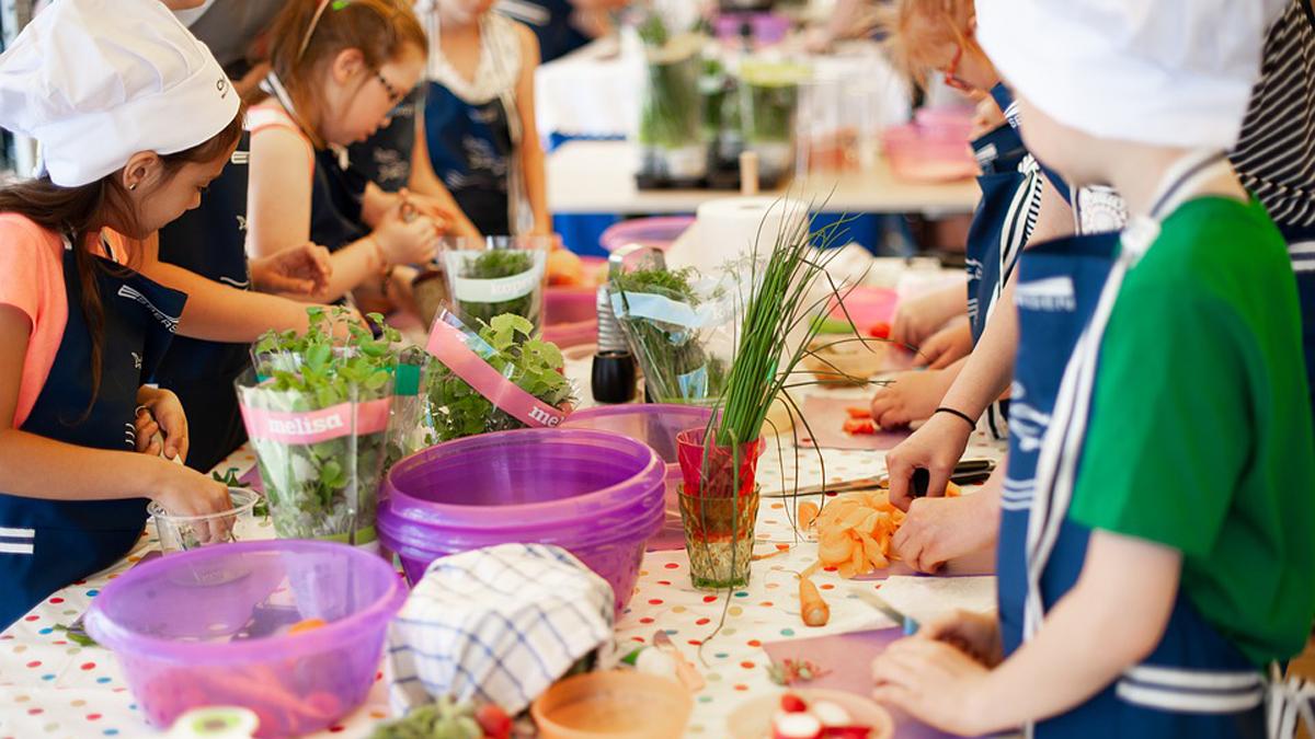 L'Alimentazione nei bambini: condizionamenti alimentari e obesità
