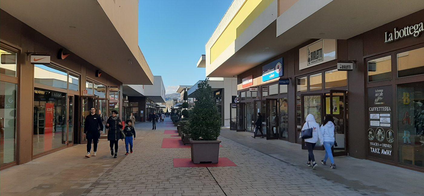 Shopping e Bambini: l'Outlet Village di Brugnato