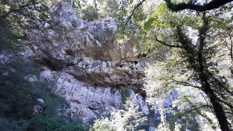 Alla scoperta della Grotta all'Onda