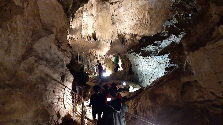 Antro del Corchia: avventura nella natura a Levigliani