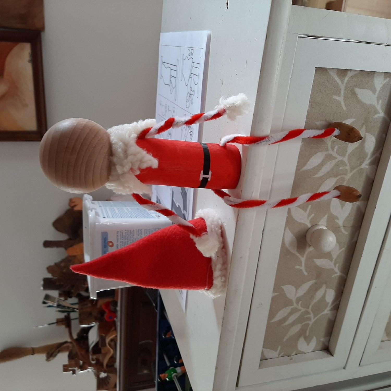 L'Elfo di Babbo Natale che arriva a dicembre...