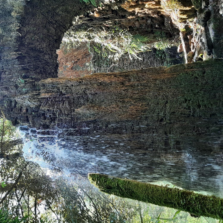 Alle antiche miniere di Calcaferro tra natura, storia e magia